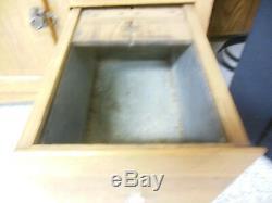 1905 to 1916 hoosier cabinet (Sellers kitcheneed)