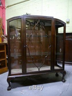 Beautiful Antique Mahogany Claw Foot Chippendale China Cabinet Curio Cabinet
