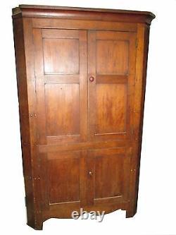 Corner cupboard, blind door, early