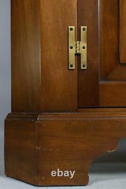 Henkel Harris Wild Black Cherry Corner Cabinet 12 Pane Chippendale Style