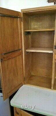 Vintage Antique Hoosier Kitchen Oak cabinet Excellent condition! Collectible