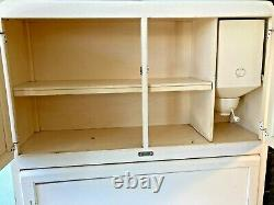 Vintage Sellers Hoosier Cabinet with Flour Sifter